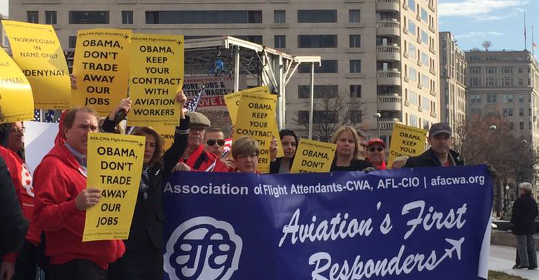 Flight Attendants Plan Protest Of American United Carrier