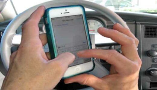 Ban on driving while 'distracted' advances in capitol